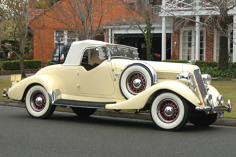 1935 Studebaker Commander, Roadster.